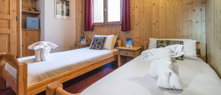 France_La-Plagne_Chalet-Anna_twin-bedroom-singles.jpg